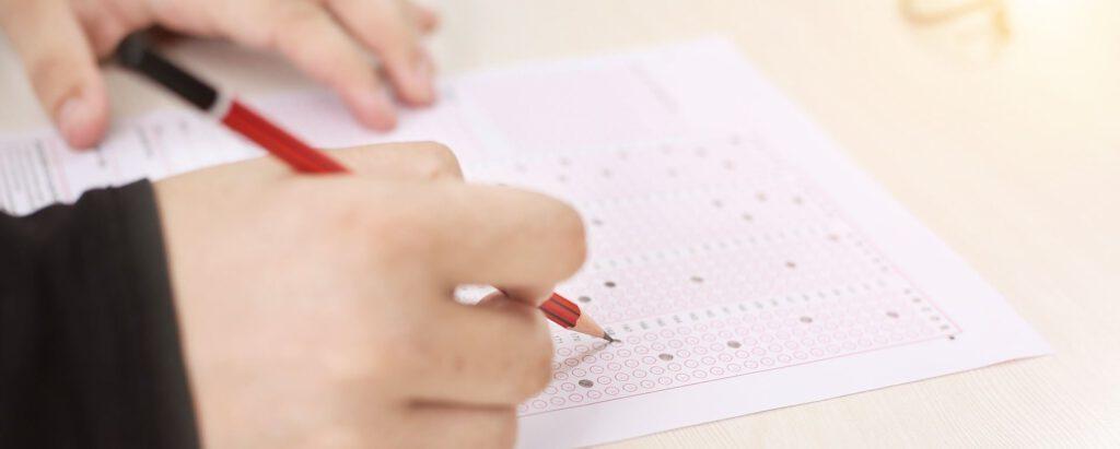 Compra amb nosaltres omplint un senzill formulari on nosaltres ens encarreguem de tot. A què per omplir-ho?