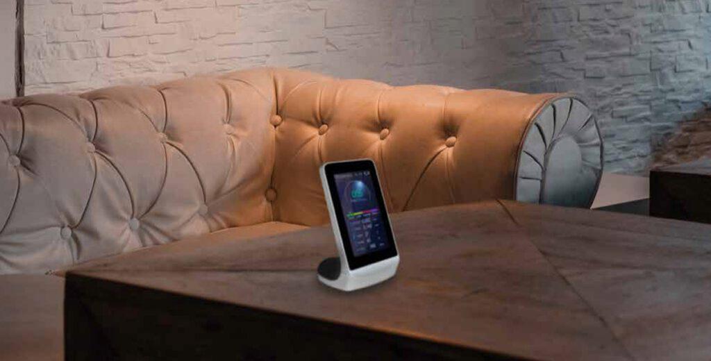 HAC STAR és el mesurador de la qualitat de l'aire perfecte per conèixer que és el que et rodeja. Amb ell podràs decidir quin purificador et convé més.