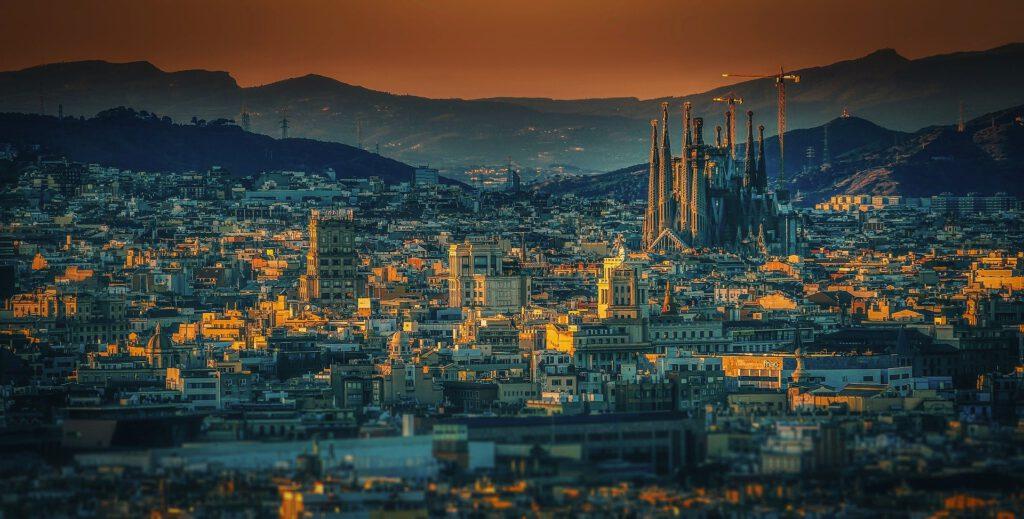 A causa de les restriccions imposades a Barcelona i les seves ciutats del voltant, un nou confinament pot aparèixer. A Star Holding ho volem evitar, per això volem desinfectar la teva llar.