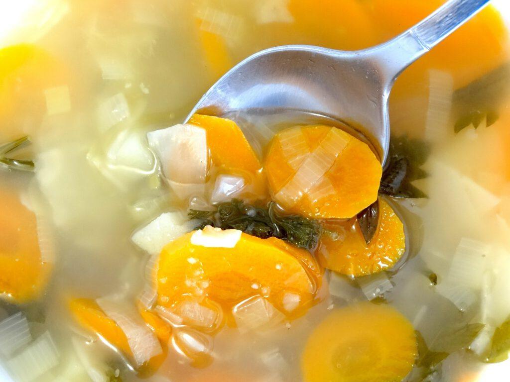 Preparar la sopa de Nadal amb aigua osmotitzada, tot un luxe que espera la teva trucada